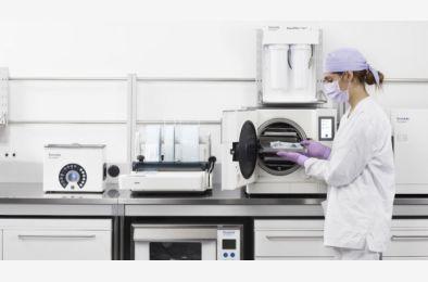Protokół sterylizacji – 10 krytycznych kroków w procesie dezynfekcji i sterylizacji
