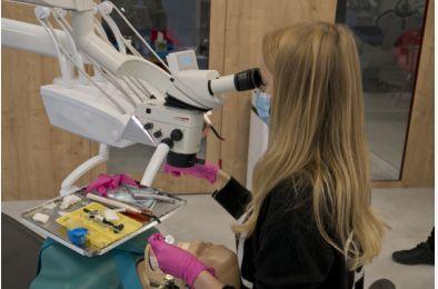 """21.05.2021. - Warsztat praktyczny """"Idealne leczenie endodontyczne – a co dalej? Odbudowy po leczeniu endodontycznym"""""""