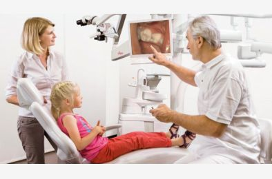26.11.2020. - Ergonomia pracy zespołu stomatologicznego przy zabiegach w powiększeniu mikroskopowym